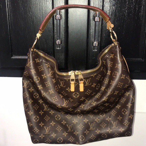 Louis Vuitton Handbags - Louis Vuitton sully mm